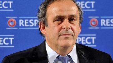 Платини намерен добиться от УЕФА выплаты премиальных и зарплаты