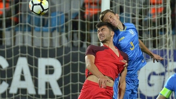 Молодежные сборные Азербайджана и Украины провели товарищеский матч. Гости доигрывали вдевятером