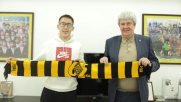 «Кайрат» продлил еще одного игрока сборной Казахстана