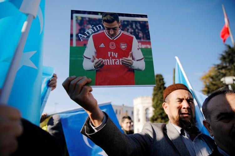 Политический диссидент в «Арсенале». В чем провинился Месут Озил?