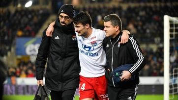 Защитник сборной Франции повредил колено