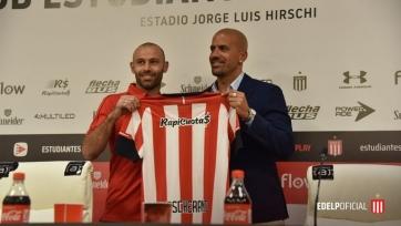 Маскерано подписал контракт с клубом Верона