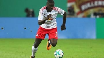 «Арсенал» отложил трансфер Упамекано на лето