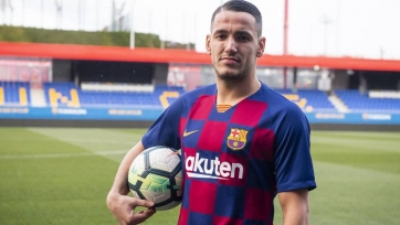 «Барселона» приобрела албанского форварда