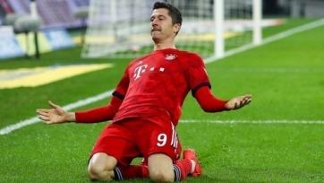 «Бавария» разгромила «Шальке» и сократила отставание от «Лейпцига»