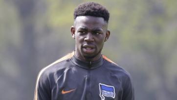Защитник «Герты» в матче против «Шальке» подвергся расистским оскорблениям