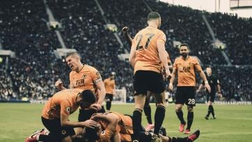 «Вулверхэмптон» на выезде победил «Тоттенхэм», «Эвертон» и «Манчестер Юнайтед» расписали мировую