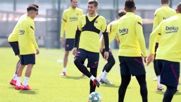 В «Барселоне» хотят основательно снизить зарплаты игроков из-за пандемии коронавируса