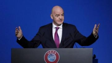 ФИФА изучает возможность продления контрактов игроков до конца турниров