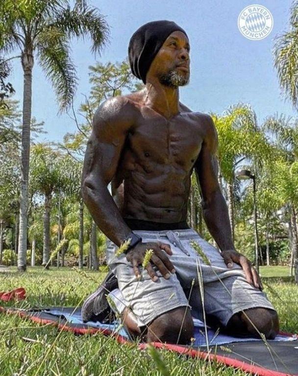 Невероятное телосложение 45-летнего бывшего игрока «Баварии». Фото