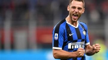 «Интер» хочет продлить контракты с двумя защитниками
