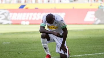 В Германии футбольные власти рассмотрят жесты игроков в поддержку погибшего в США афроамериканца Флойда