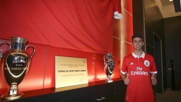 «Милан» хочет приобрести 18-летнего португальца