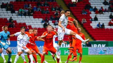 «Рубин» и «Урал» сыграли вничью в матче с двумя удалениями