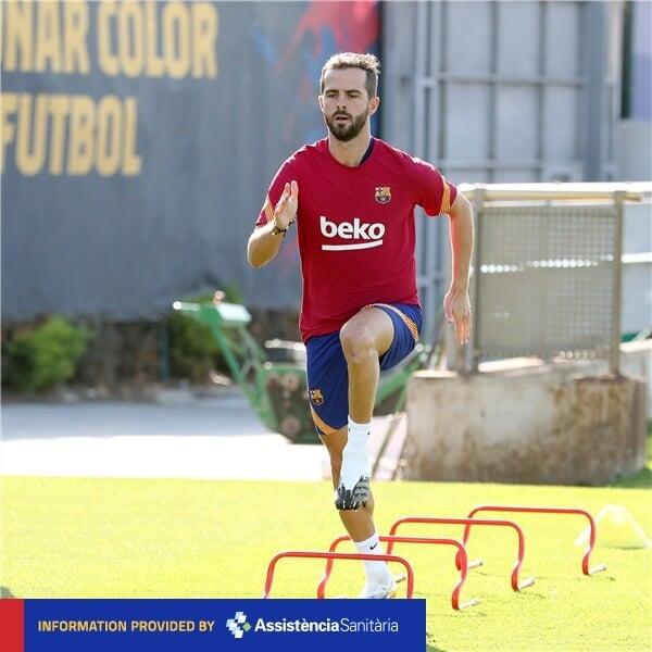 Пьянич и Тодибо вернулись к тренировкам за «Барселону». Фото