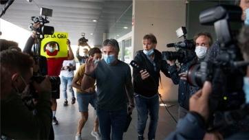 Отец Месси прибыл в Барселону на встречу с Бартомеу