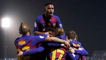 «Барселона» хочет купить форварда и защитника