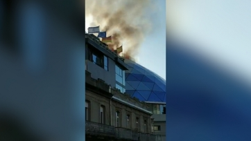 В штаб-квартире «Сельты» бушует пожар. Видео