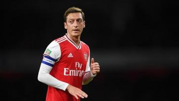 Озил и Папастатопулос не будут включены в заявку «Арсенала» на ЛЕ