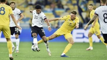 Победа Германии в Киеве, страсти по Камавинге, отказ «Реала» от Погба, экономия «Юве»