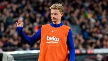 «Барселона» работает над продлением контрактов с де Йонгом и Лангле