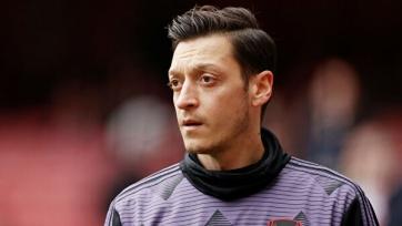 Озил разочарован тем, что не попал в заявку «Арсенала» на АПЛ