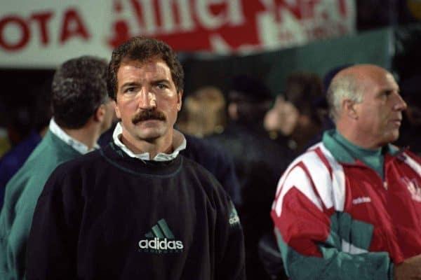 Наступил Усабрь – вспоминаем обладателей самых крутых усов в истории футбола