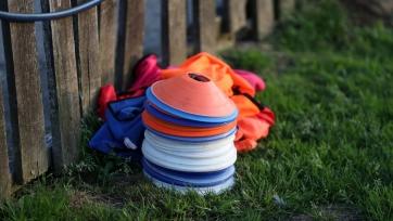 В Англии остановят весь неэлитный футбол