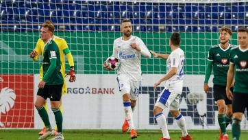 «Шальке» прервал серию из 22 матчей без побед