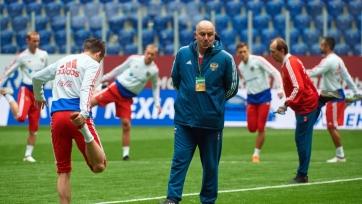 Черчесов: «Сборная России может занять первое место в группе»