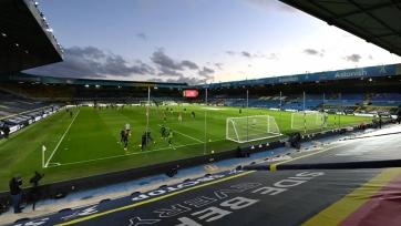 АПЛ находится на пороге частичного открытия стадионов