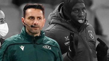 Судье матча «ПСЖ» - «Истанбул Башакшехир» грозит длительная дисквалификация