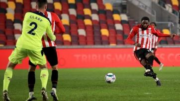 «Брентфорд» стал первым полуфиналистом Кубка английской лиги