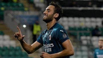Проблемы «Милана» с Чалханоглу, Милик переходит в клуб Лиги 1, в АПЛ появился новый претендент на Жиру
