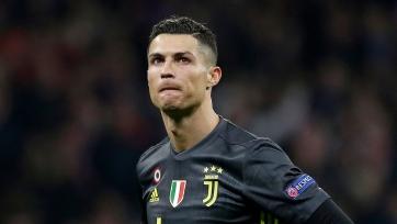 Роналду повторил мировой рекорд по голам в официальных матчах, Санчо конфликтует с «Боруссией» Д, у «ПСЖ» нет денег на Месси