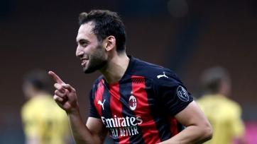«Милан» близок к продлению контракта с Чалханоглу