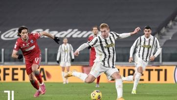 «Ювентус» разгромил СПАЛ в Кубке Италии