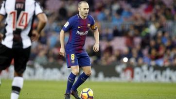 Деньги или время: как «Барселона» пытается заменить Иньесту