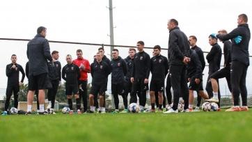 Спарринг между украинским и казахстанским клубами досрочно завершился из-за массовой драки