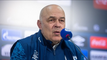 «Шальке» уволил тренера