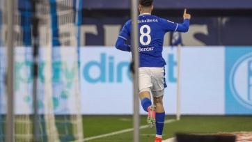 «Шальке» впервые за 4 месяца одержал победу в Бундеслиге