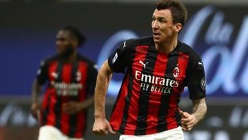 Манджукич отказался в «Милане» от зарплаты за март