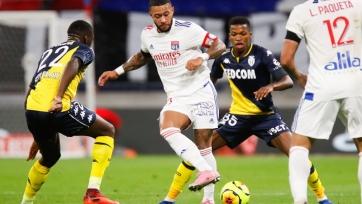«Лион» в меньшинстве переиграл «Монако»