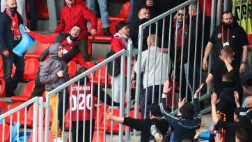 В Туле фанаты «Спартака» и «Арсенала» устроили перекидывание креслами