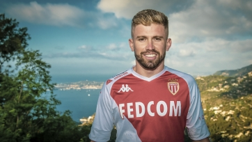«Барселона» и «ПСЖ» могут схлестнуться за защитника «Монако»