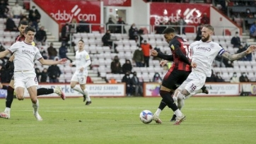 «Борнмут» обыграл «Брентфорд» в первом полуфинале плей-офф за место в АПЛ