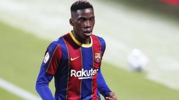 «Барселона» отреагировала на расистские нападки в адрес хавбека Морибы