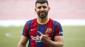 Уход Месси не скажется на пребывании Агуэро в «Барселоне»