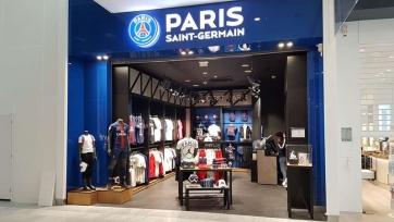 В клубный магазин «ПСЖ» выстроилась длинная очередь за футболками Месси. Видео