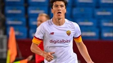 Гол Шомуродова помог «Роме» с «Трабзонспором», а «Кайрат» разгромил «Фолу» в первых матчах плей-офф раунда Лиги конференций